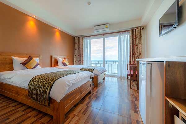 Deluxe Sea View with balcony - Twin beds